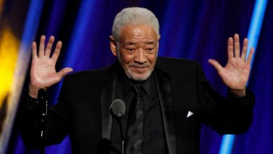 "Photo of Penyanyi ""Lean on Me"" Bill Withers meninggal dunia"