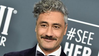 "Photo of Taika Waititi bocorkan detail film ""Thor: Love and Thunder"""