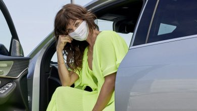 Photo of Mercedes-Benz gandeng supermodel Helena Christensen kenalkan masker