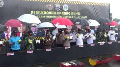 Photo of 300 Kilogram sabu jaringan internasional dimusnahkan