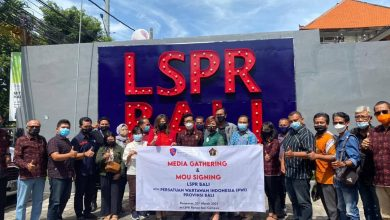 Photo of Sign the MoU, LSPR and PWI Bali Agree on Human Resources Development